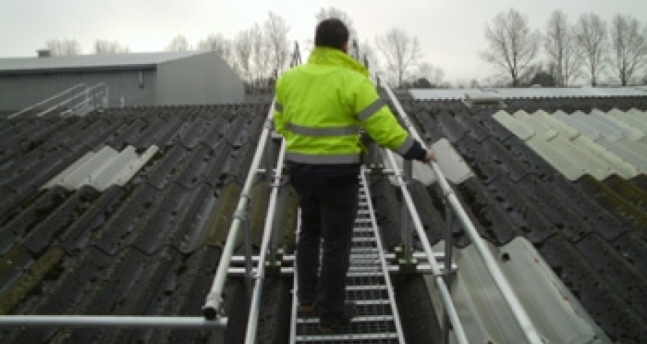 Safety Walk Boards : Dacharbeiten auf brüchigen dächern absturzsicherungen