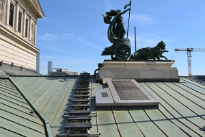 Kee Walk rooftop walkway system at the Old Opera House in Frankfurt