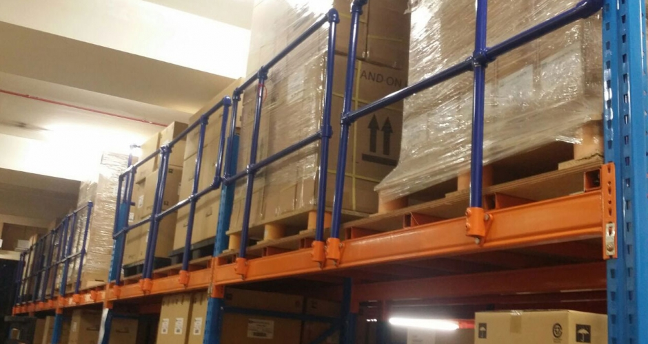 Kee Klamp guardrails used in warehouse racking
