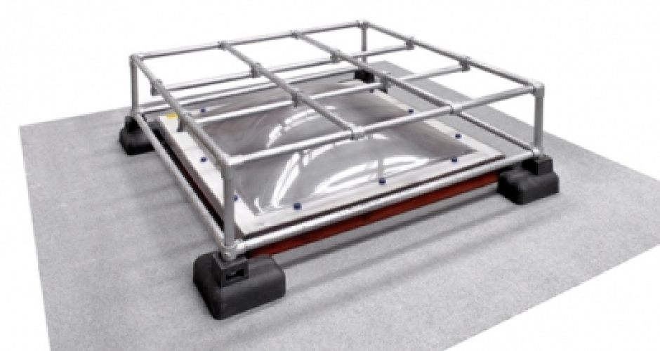 kee dome mini grille de protection pour puits de lumi re. Black Bedroom Furniture Sets. Home Design Ideas
