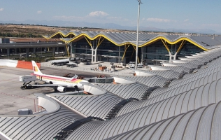 Kee Walk Madrid Barajas Airport