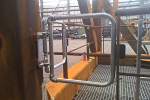 Safety gates for platforms used to transport wind turbines