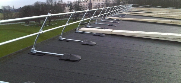 Roof Edge Protection installed by Kee Safety