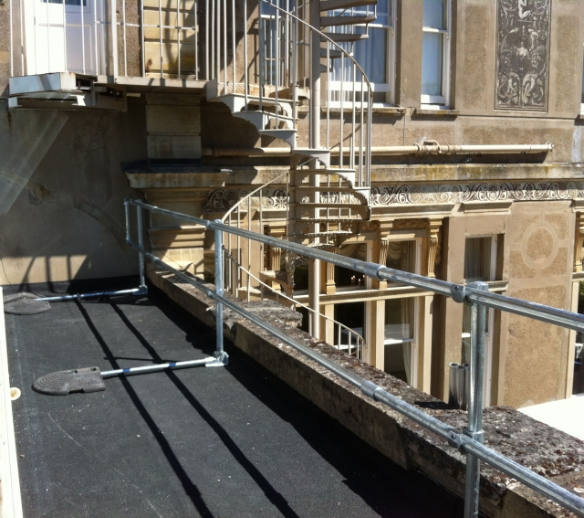 Permanent and foldable rooftop safety solutions for country house hotel