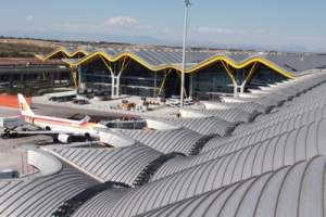 KEE WALK am Flughafen in Madrid