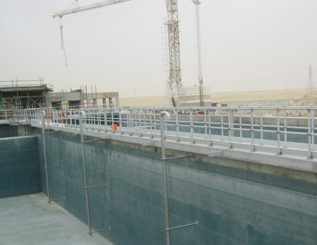 Kee Lite Anodised handrails installed at Razeen Wastewater Treatment Plant, UAE.