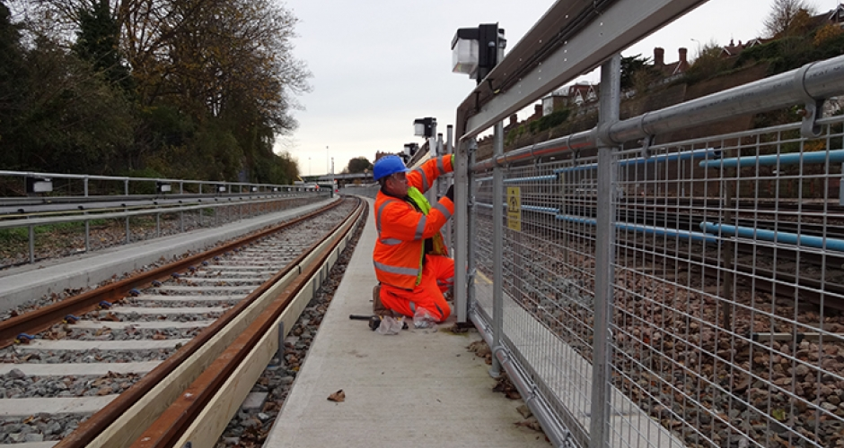 Kee Klamp Handrails For Brighton Rail Line Kee Safety Uk
