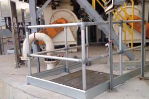 How to secure manholes with aluminium guardrail
