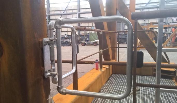 Self Closing Safety Gates For Regulating Platform Access