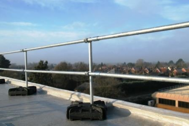 Keeguard Premium Contractor Counterweight Free Roof Edge