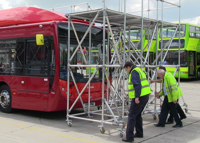 Kee Safety designs bespoke mobile access guarded platforms for Reading Transport