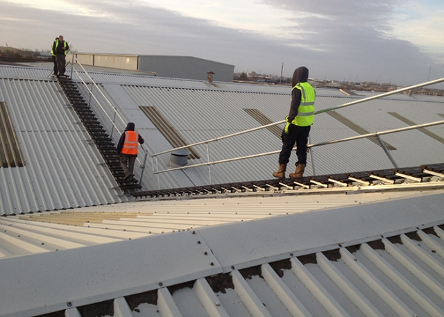 Kee Safety's roof top safety solution for a manufacturing plant in Dublin